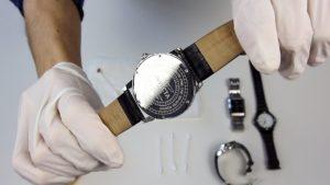 ¿Como limpiar un reloj?