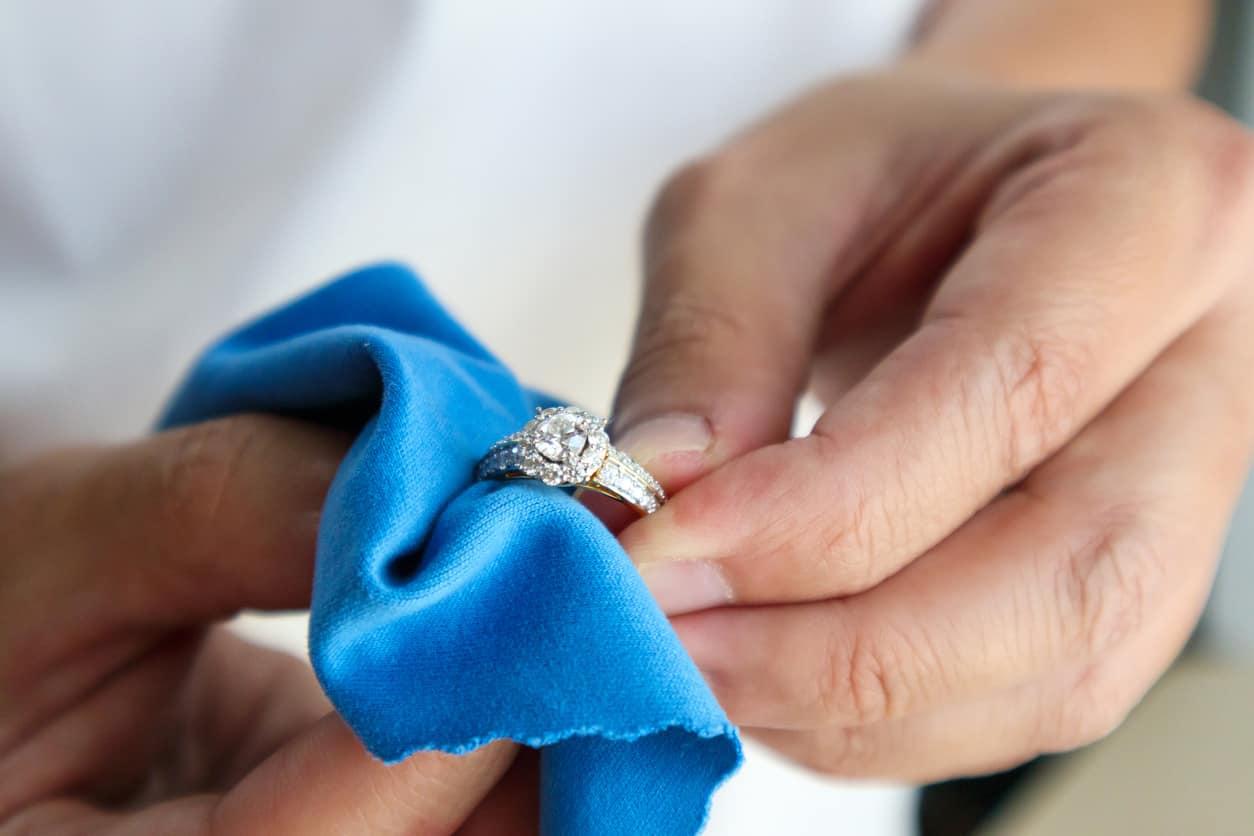 Mejores tips para limpiar tus joyas